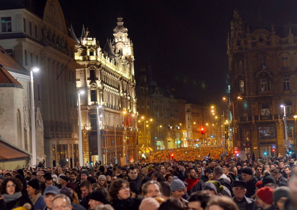 Demonstrationerne begyndte omkring to uger siden, hvor ungarerne demonstrerede mod regeringens planlagte internetskat  Foto: Facebook