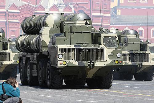 S-300 antiluftskytssystemer her under en opvisning på Røde Plads  Foto: Kremlin