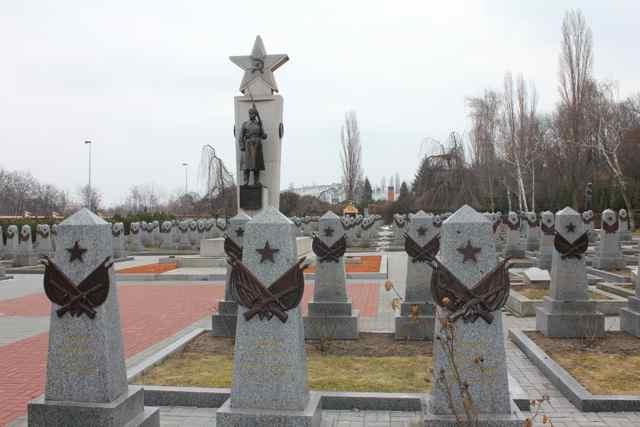 De sovjetiske soldaters grave på Olsany kirkegården i Prag  Foto: Ota Tiefenböck