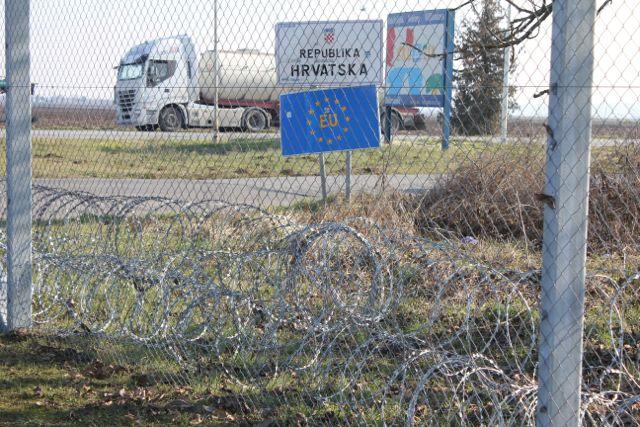 Grænsehegn mellem Ungarn og Kroatien Foto: Ota Tiefenböck