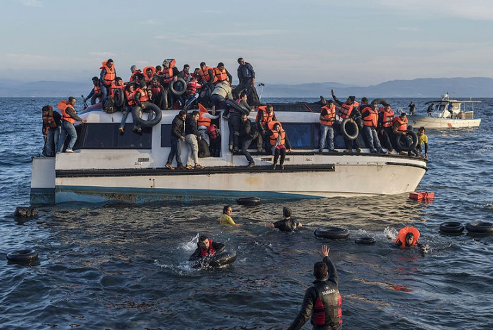 Migranter ankommer til Lesbos. Foto Ggia / Wikimedia Commons