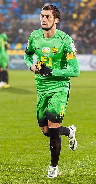 Anzhi forsvarer Ali Gadzhibekov. Foto: Светлана Бекетова