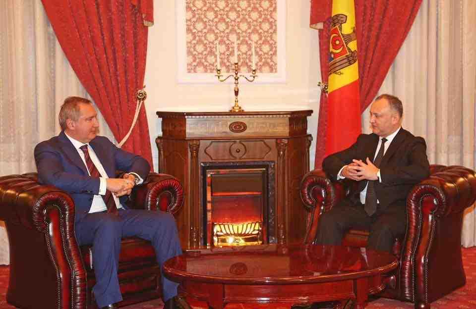 Dmitrij Rogozin og Igor Dodon mødtes i december i Chisinau Foto: President press office Moldova